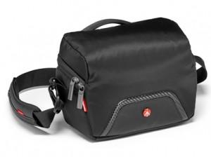 advanced-compact-shoulder-bag-1_mb-ma-sb-c1
